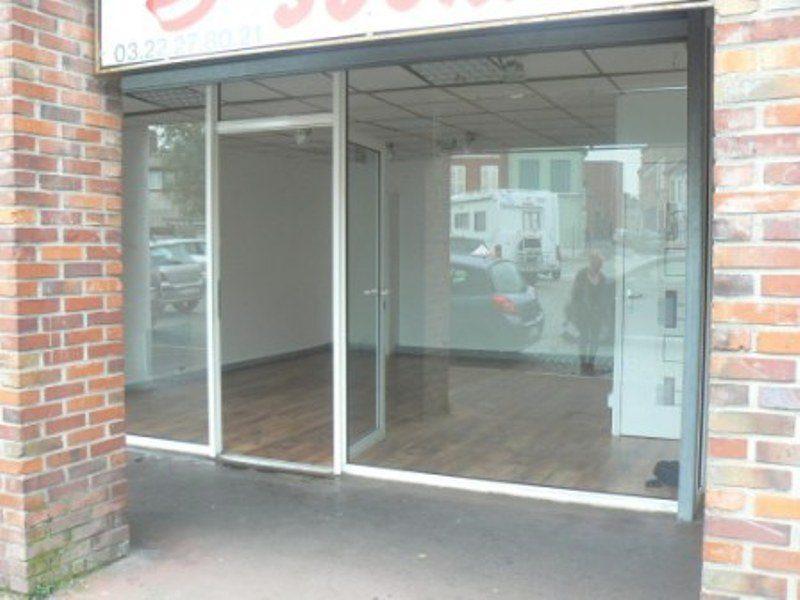 Photo extérieur du local commercial à Abbeville numéros 2
